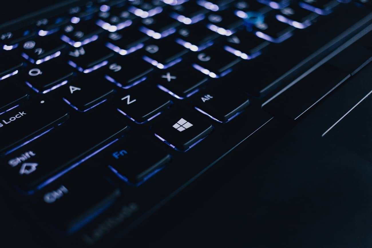 how to find the product key on a windows 10 computer
